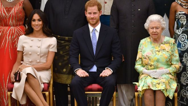 Prince Harry and Meghan: Duchess returns to Canada as Queen seeks solution