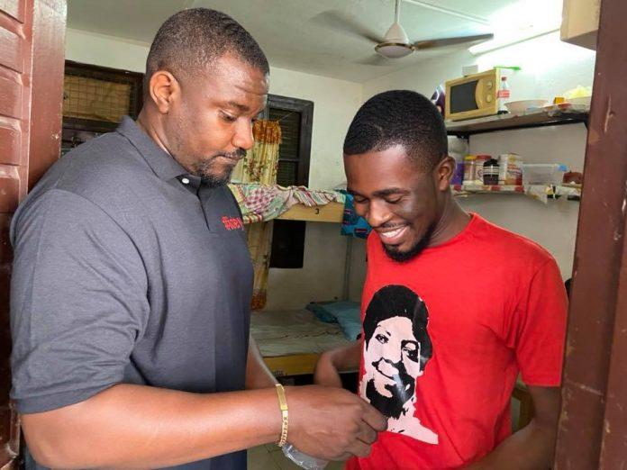 Coronavirus: John Dumelo Shares Hand Sanitizers